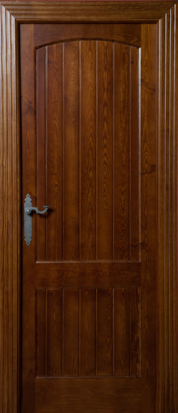 Puerta castellana seresola mixta bricoteo puertas granada for Puerta castellana pino